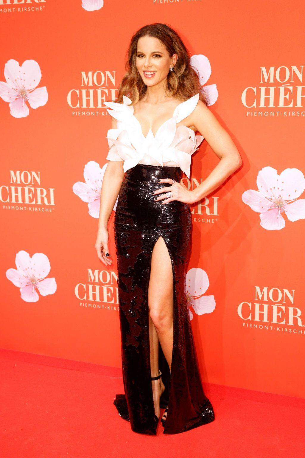 Kate Beckinsale Sexy (78 Photos)