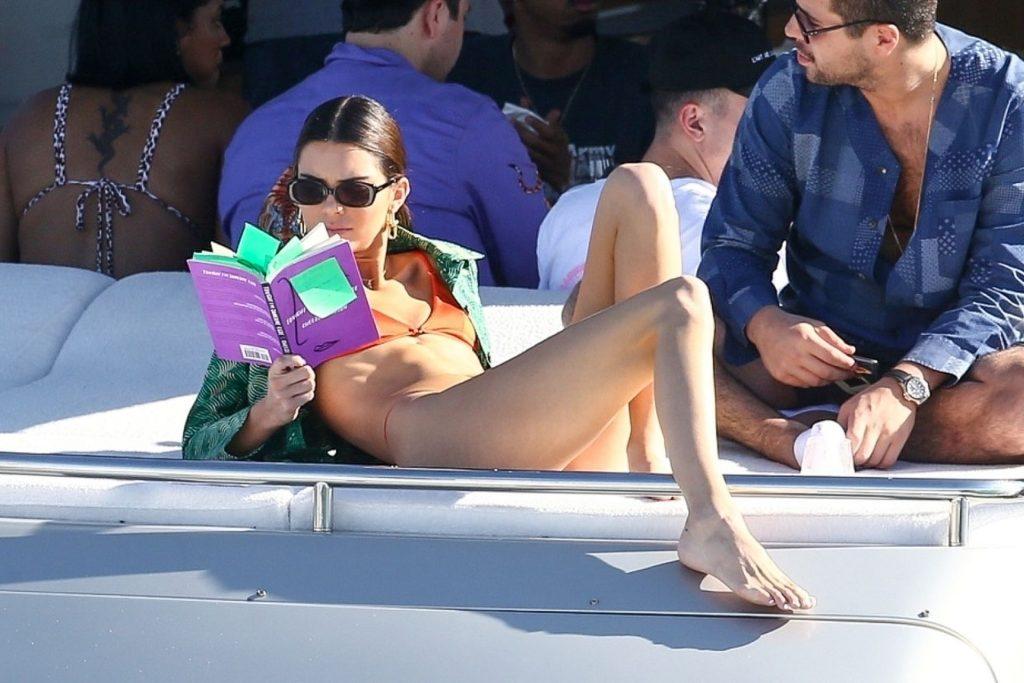 Kendall Jenner Sexy (128 Photos)