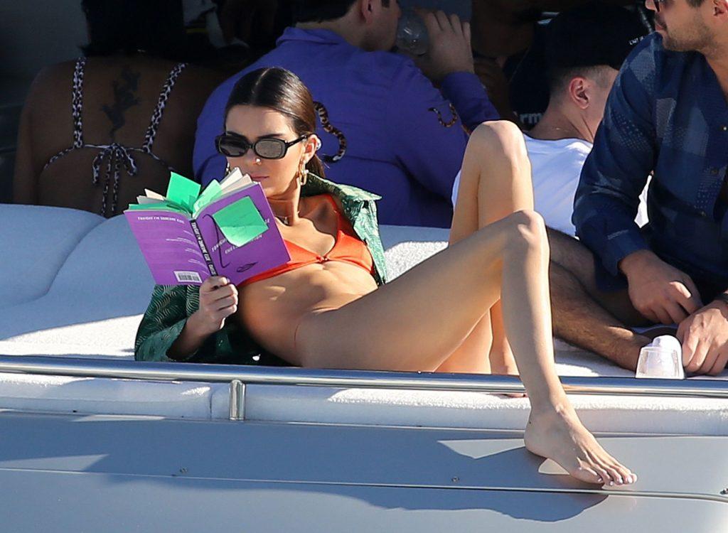 Kendall Jenner Sexy (96 Photos)