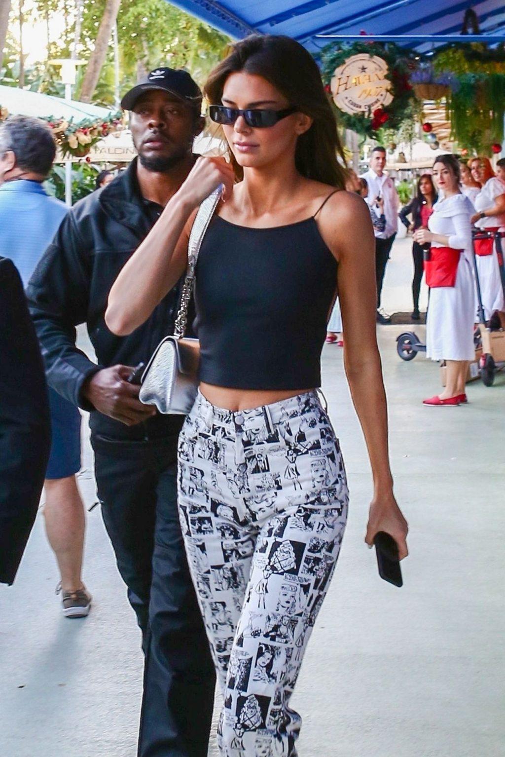 Kendall Jenner Sexy (73 Photos)