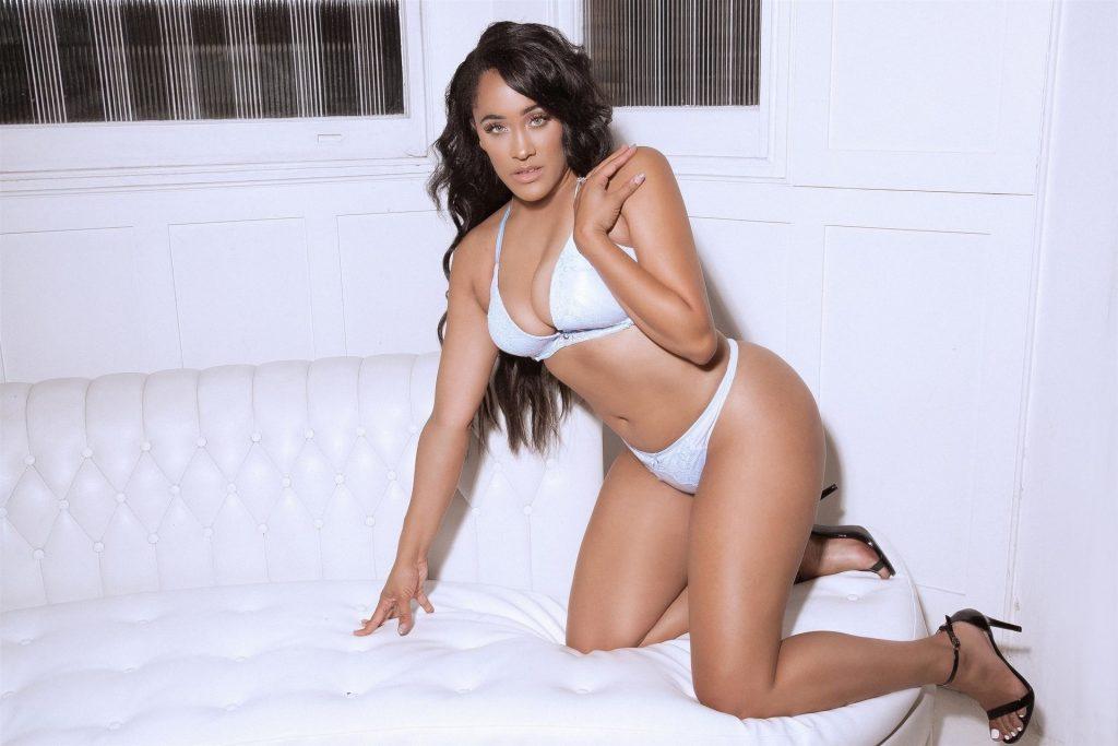 Natalie Nunn Sexy (7 Photos)