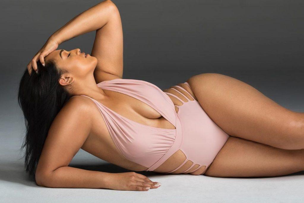 Veronica Pome'e Sexy (46 Photos)