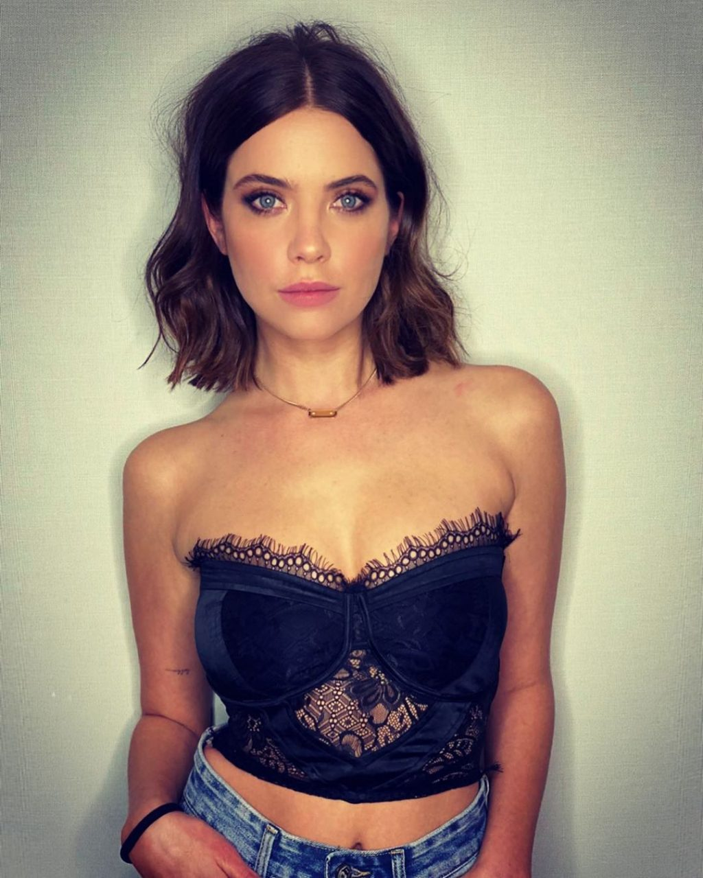 Ashley Benson Sexy (14 Photos)
