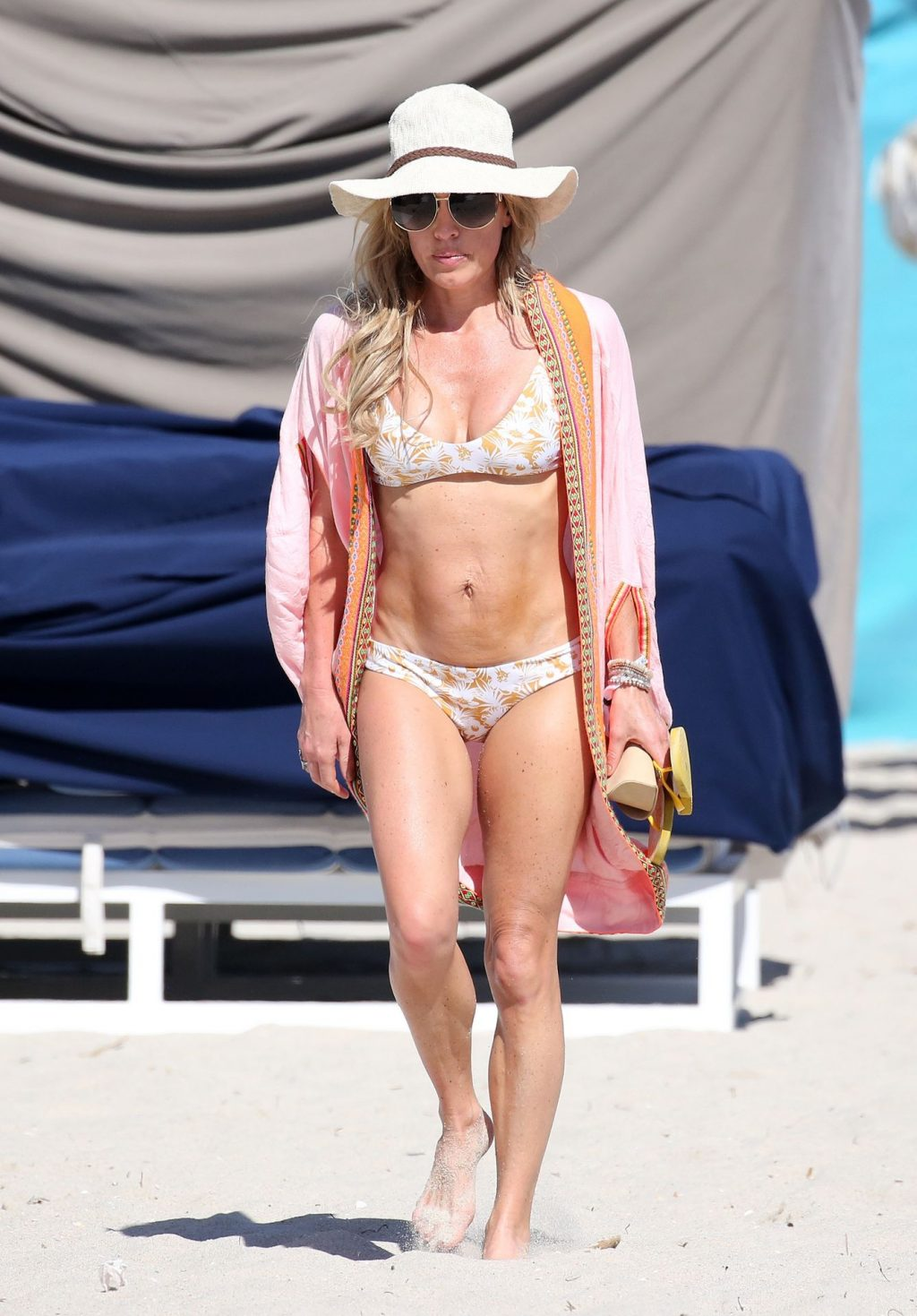 Braunwyn Windham-Burke Wears a Bikini on the Beach in Miami (27 Photos)