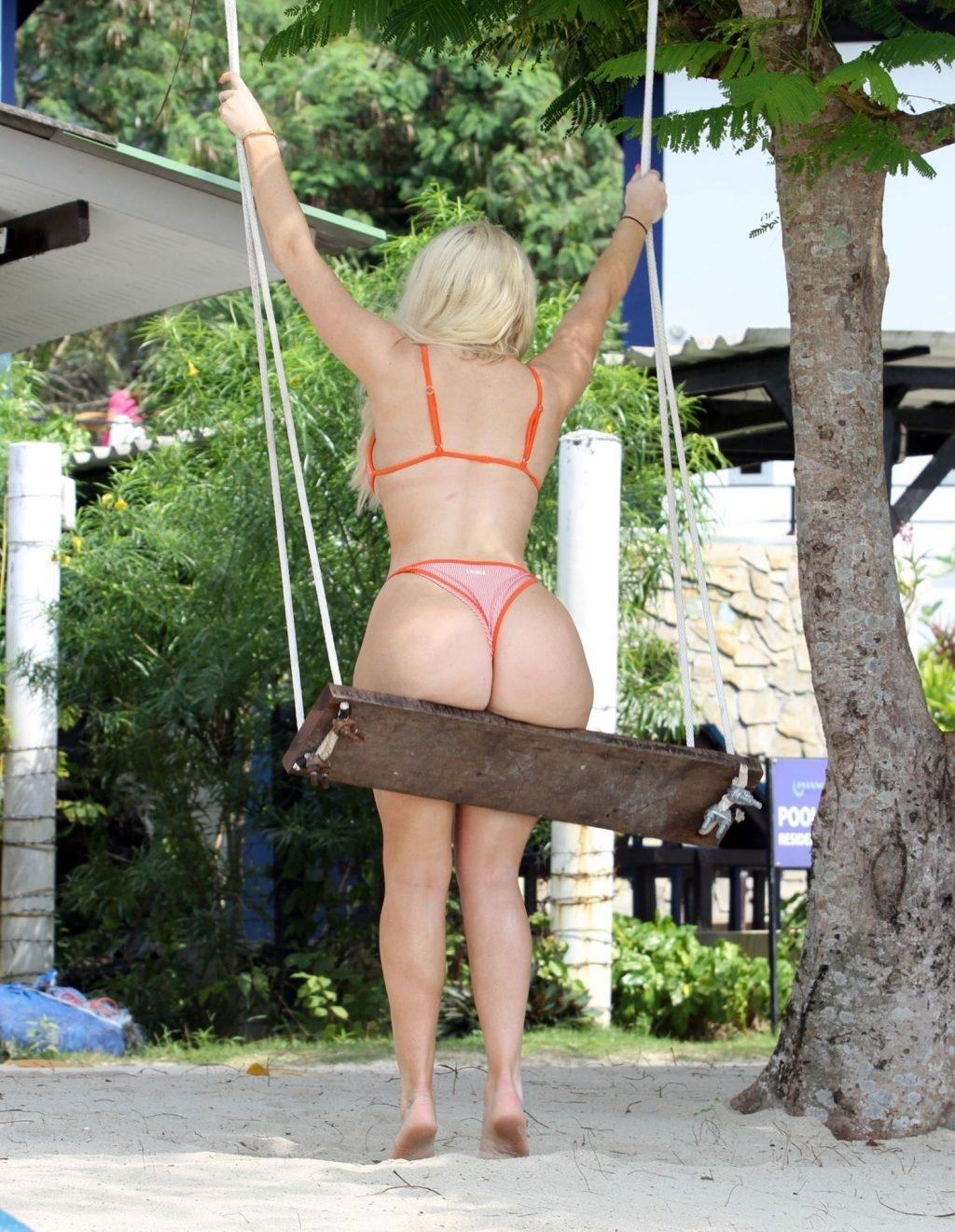 Chloe Ferry Sexy (21 Photos)