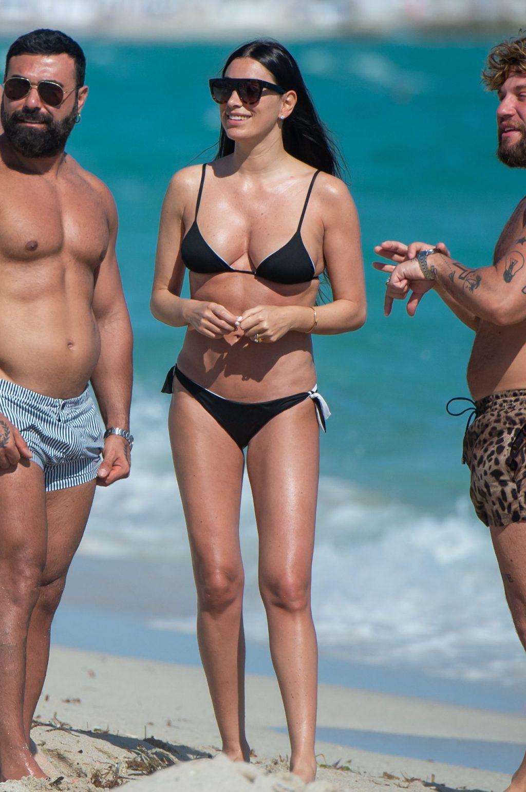 Giorgia Gabriele Sexy (45 Photos)