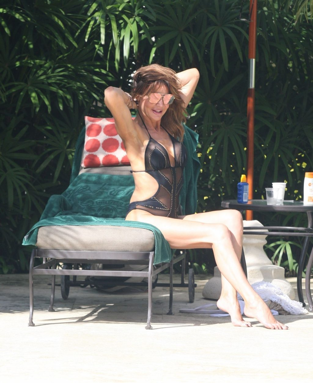 Lizzie Cundy Sexy (26 Hot Photos)