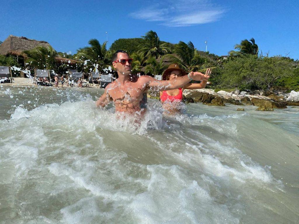 Peta Murgatroyd Shows Her Sexy Ass in Mexico (41 Photos)
