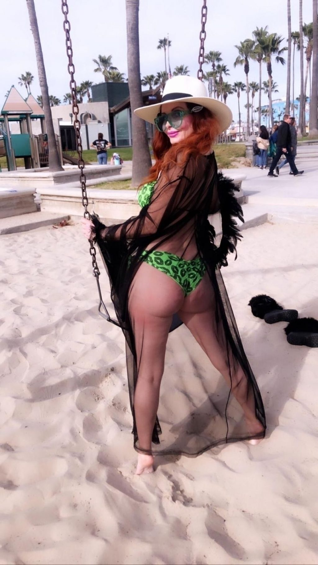 Phoebe Price Shows Off Her Curves in Venice Beach (64 Photos + Videos)