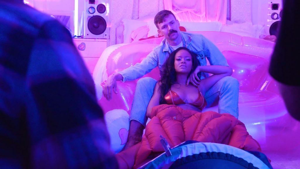 Rihanna Sexy (15 Photos + GIF & Video)