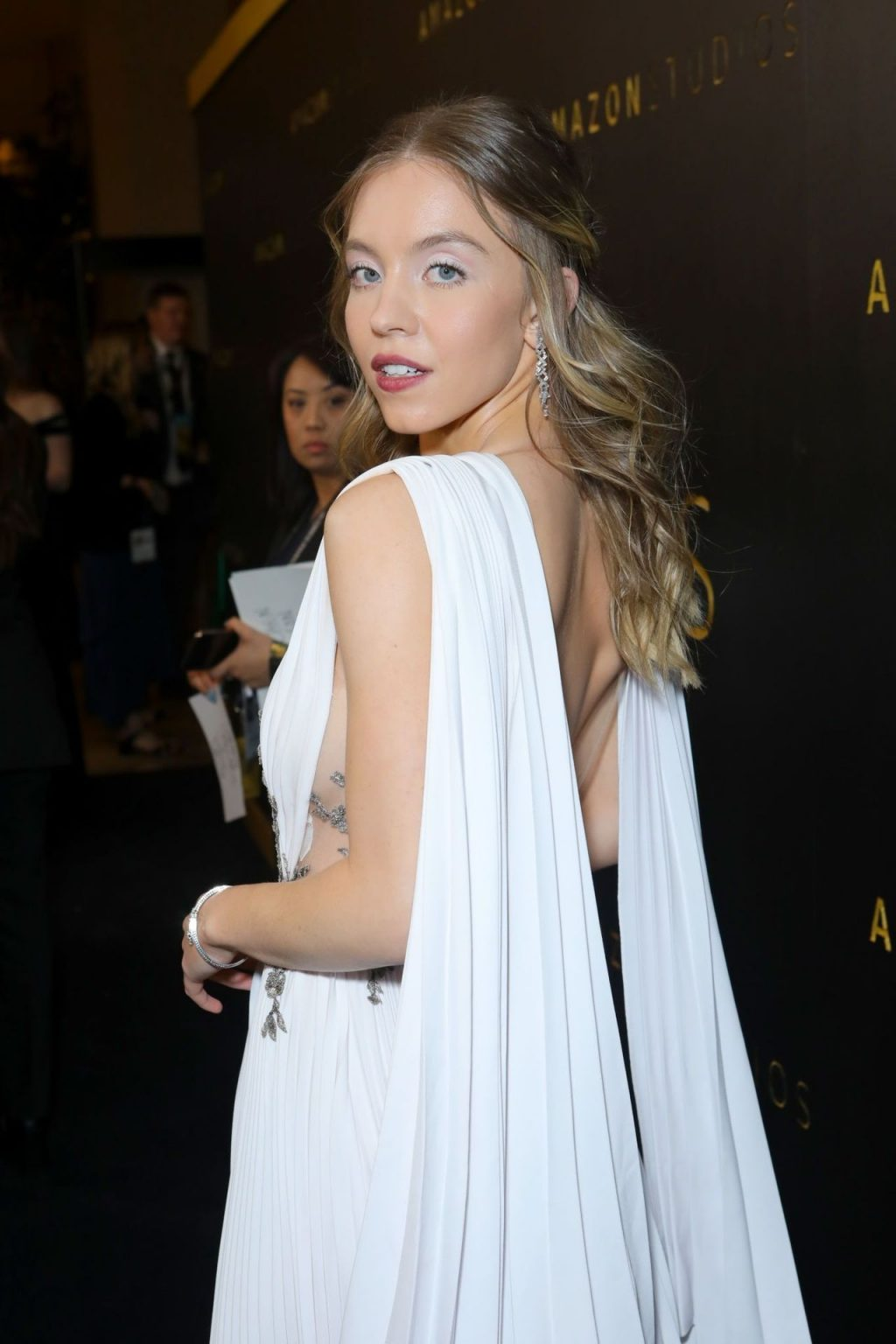 Sydney Sweeney Braless (41 Photos + Video)
