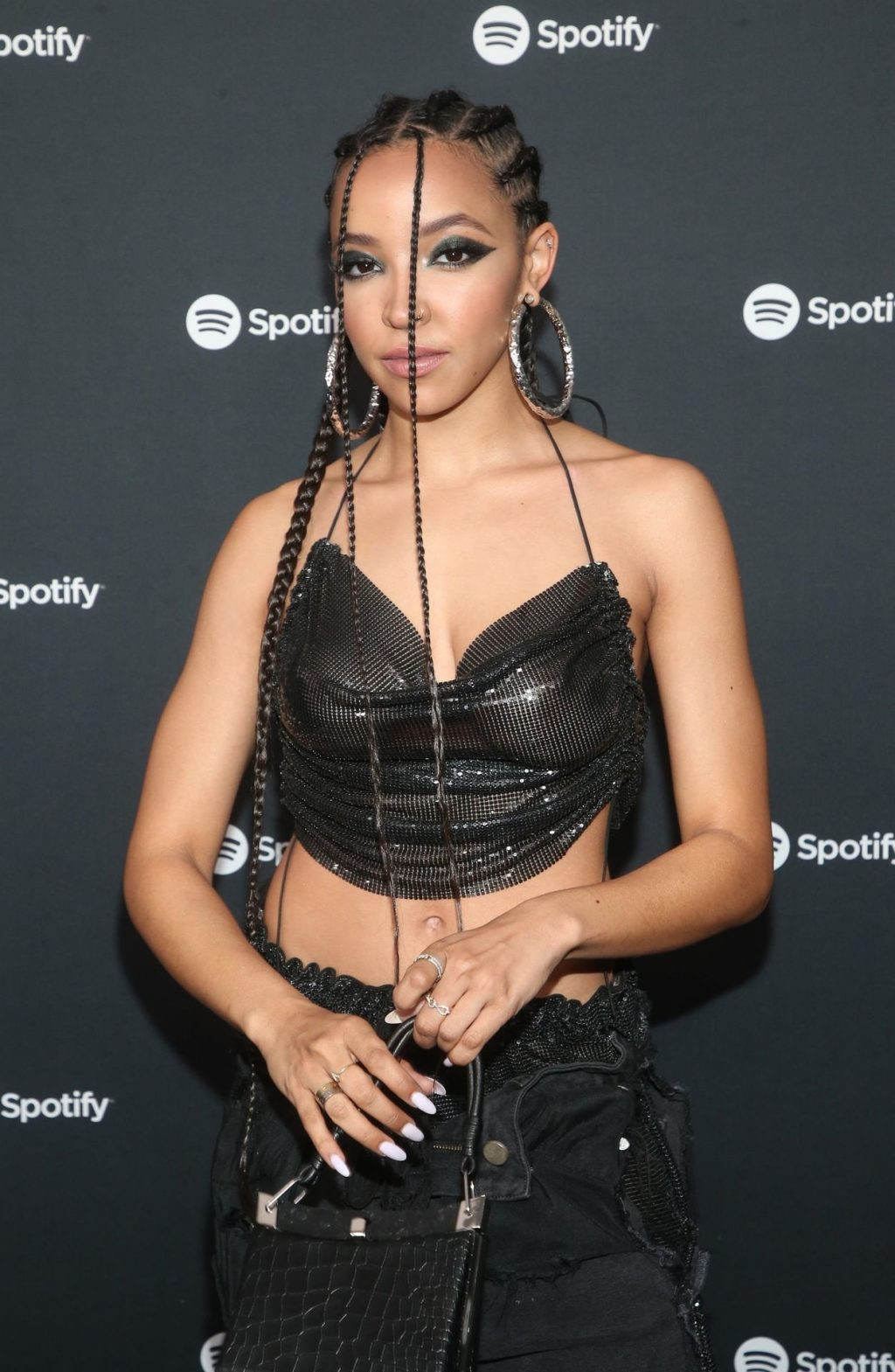 Tinashe Flaunts Her Tits at the Spotify Best New Artist Party (44 Photos)