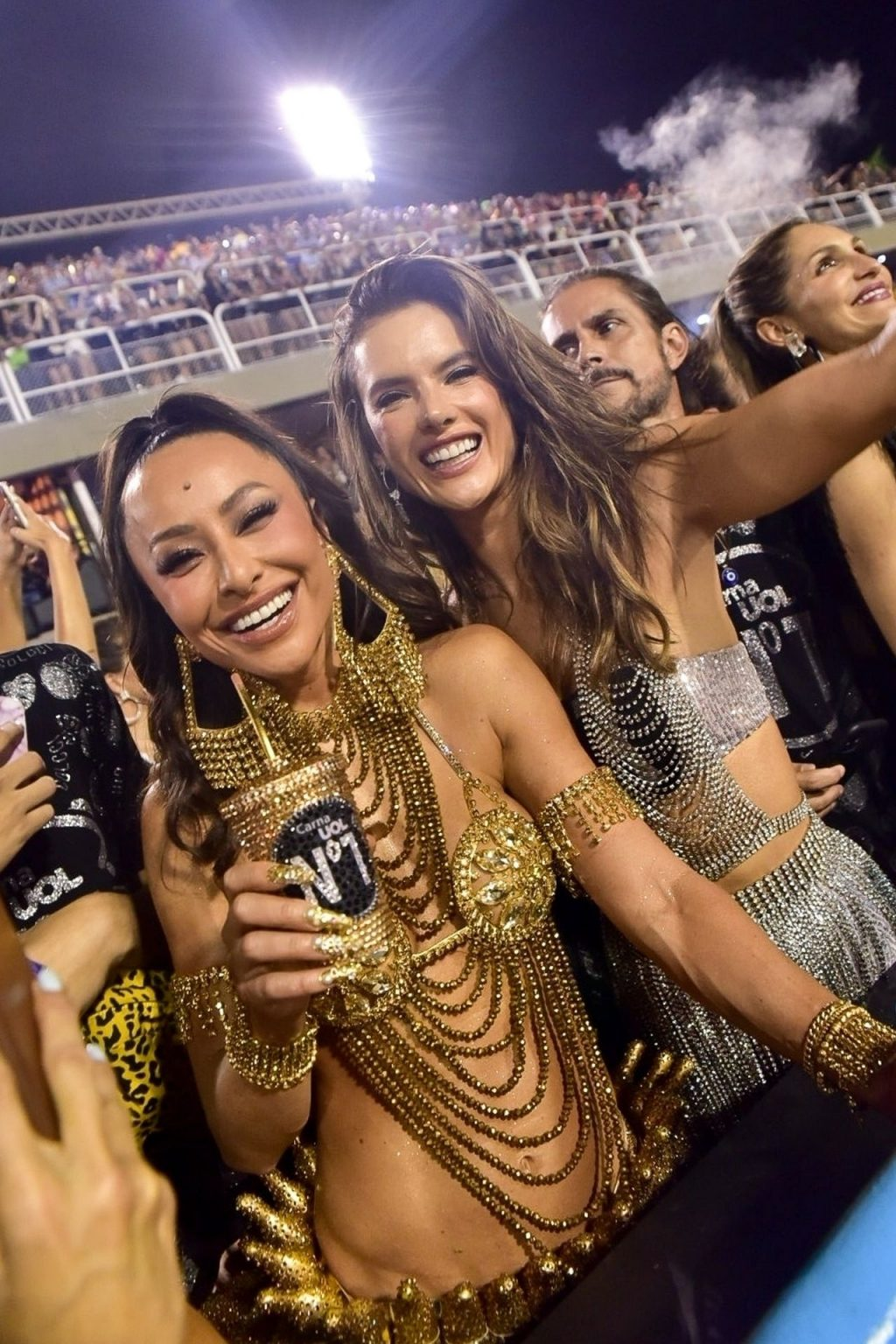 Alessandra Ambrosio Parties With Fans During Rio Carnival 2020 in Brazil (38 Photos)