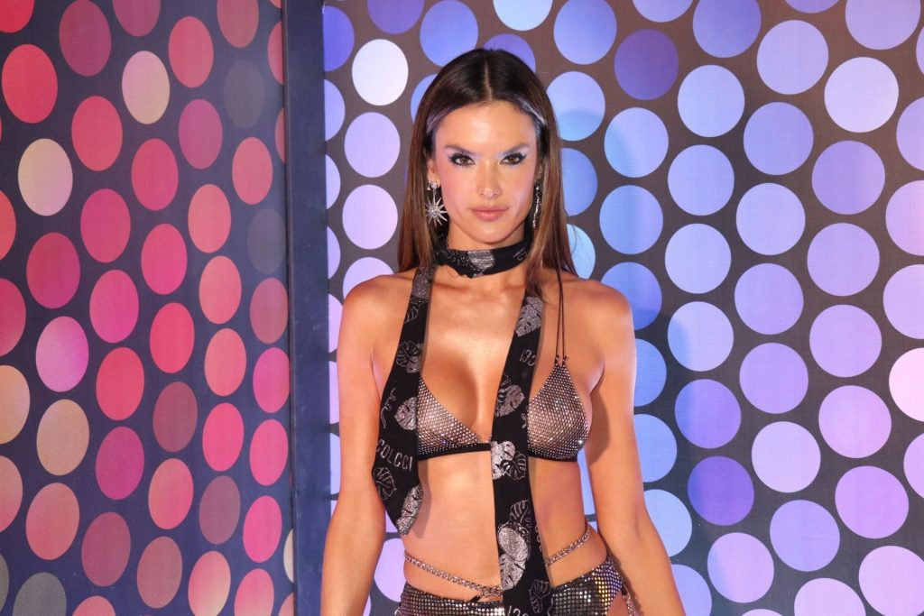 Alessandra Ambrosio Lives It Up On the Second Day of Carnaval in Rio (68 Photos)