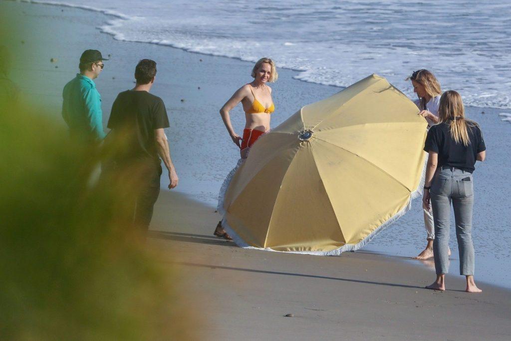 Amber Valletta Poses in a Bikini with a Big Umbrella on Malibu beach (27 Photos)