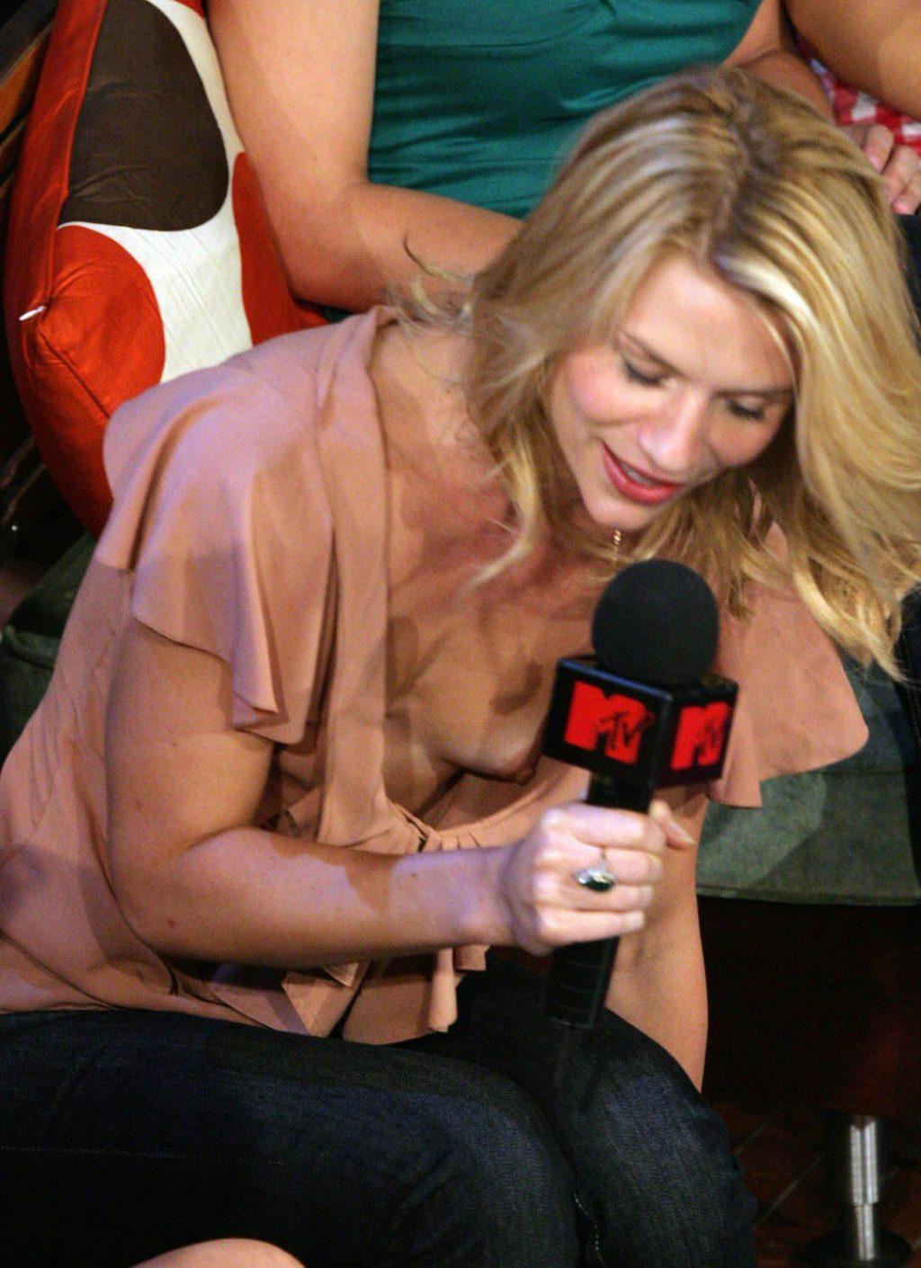 Claire Danes Flashes Boobs at the MTV Show (2 Photos)