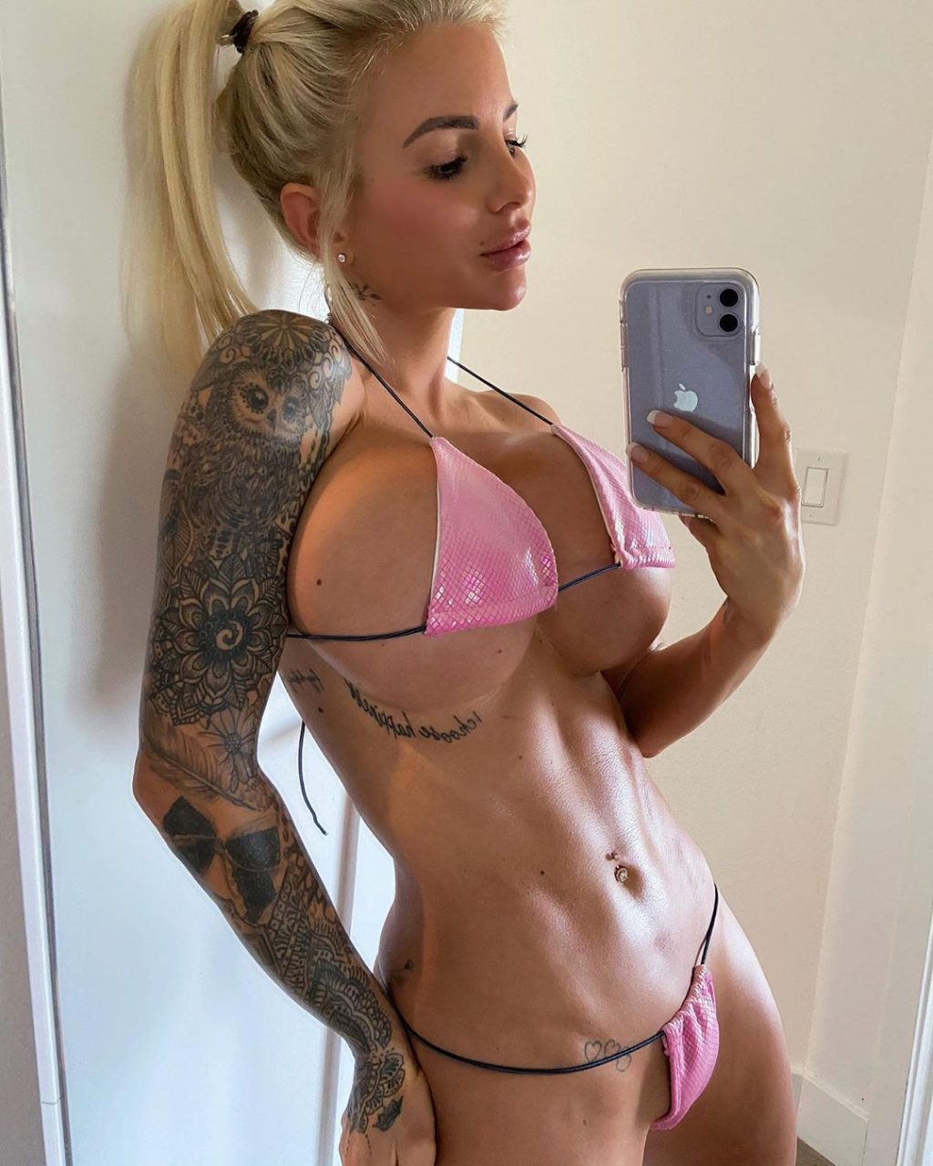 Jessica Weaver Sexy (18 Photos + Video)