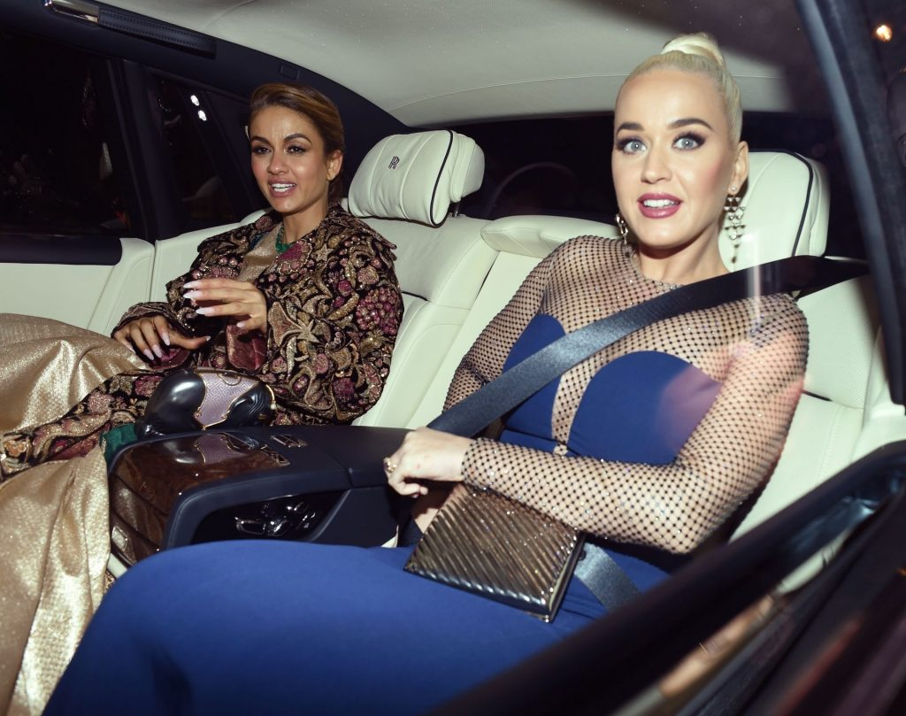 Katy Perry Puts on an Eye-Popping Display in London (52 Photos)
