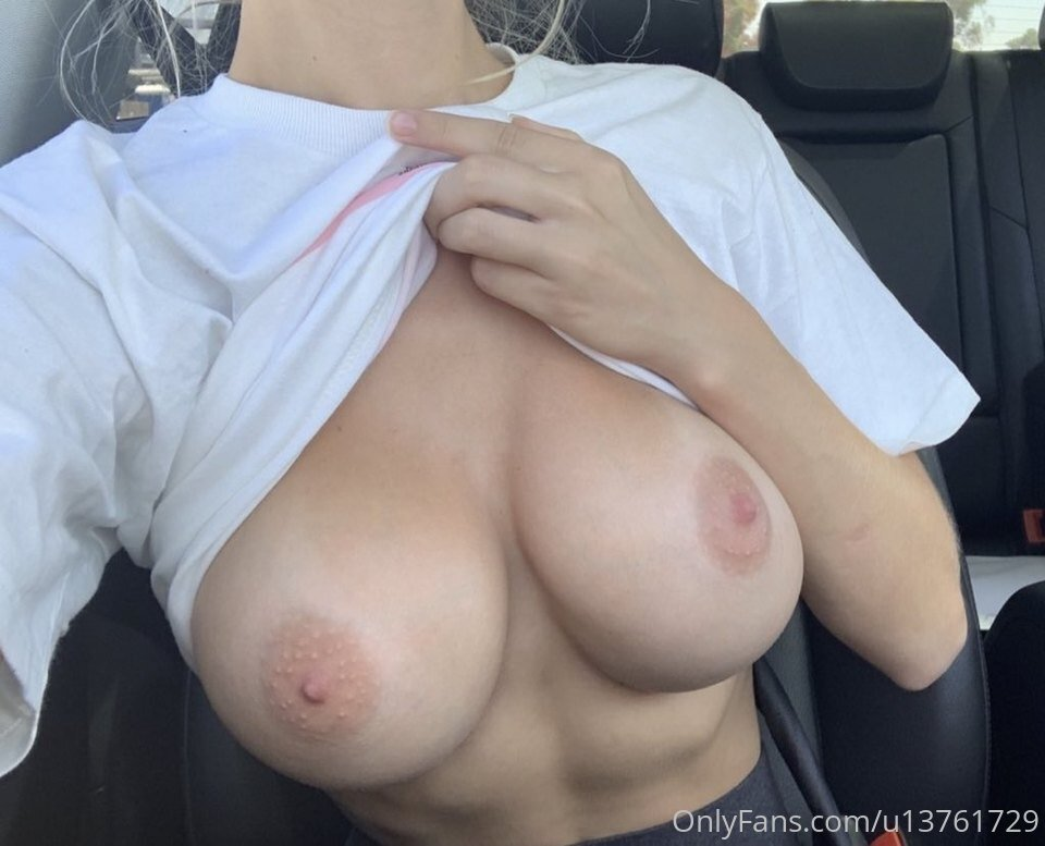 "Kaylen ""The Naked Philanthropist"" Ward New Nude Photos and Videos"