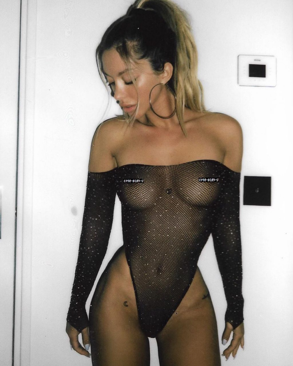 Mathilde Tantot Nude & Sexy (15 Photos)