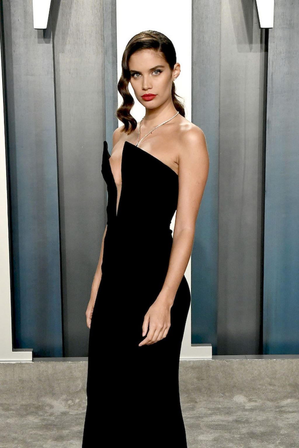 Sara Sampaio Shows Her Sexy Tits at the Vanity Fair Oscar Party (17 Photos)