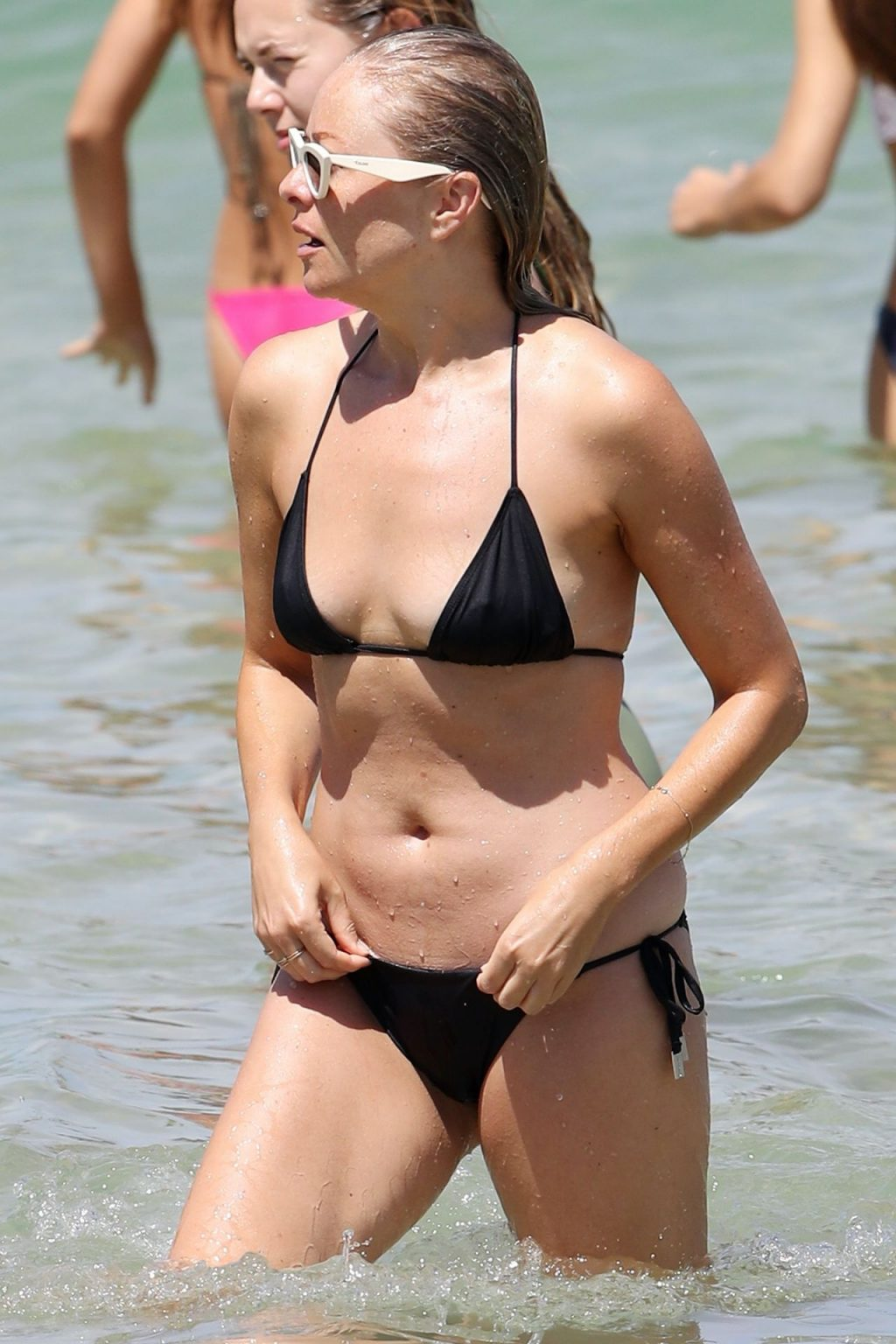 Airlie Walsh Flaunts Her Bikini Body in Sydney (25 Photos)