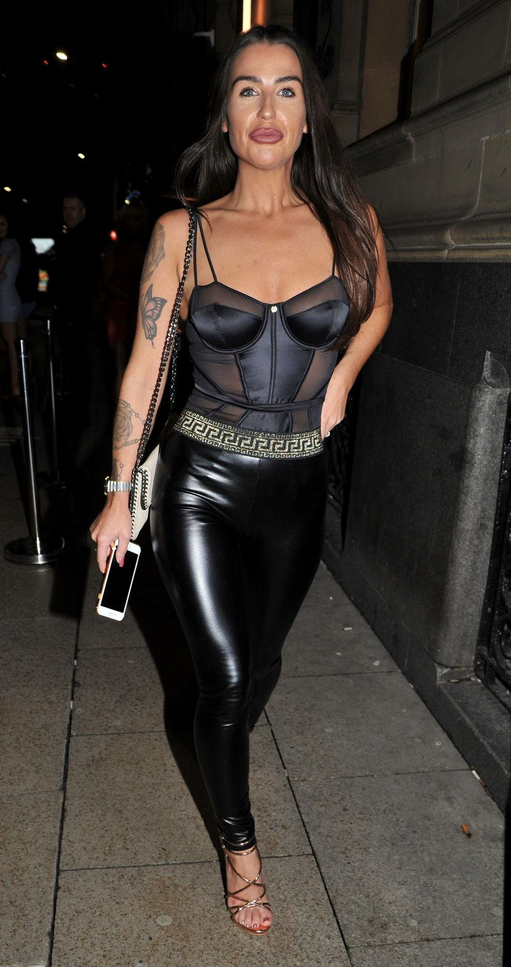 Sexy Jenny Thompson Is Seen at 186 Bar in Manchester (11 Photos)