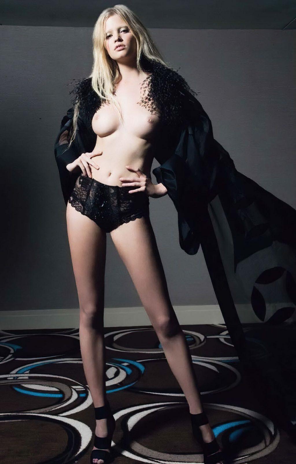 Lara Stone Nude – Playboy France (8 Photos)