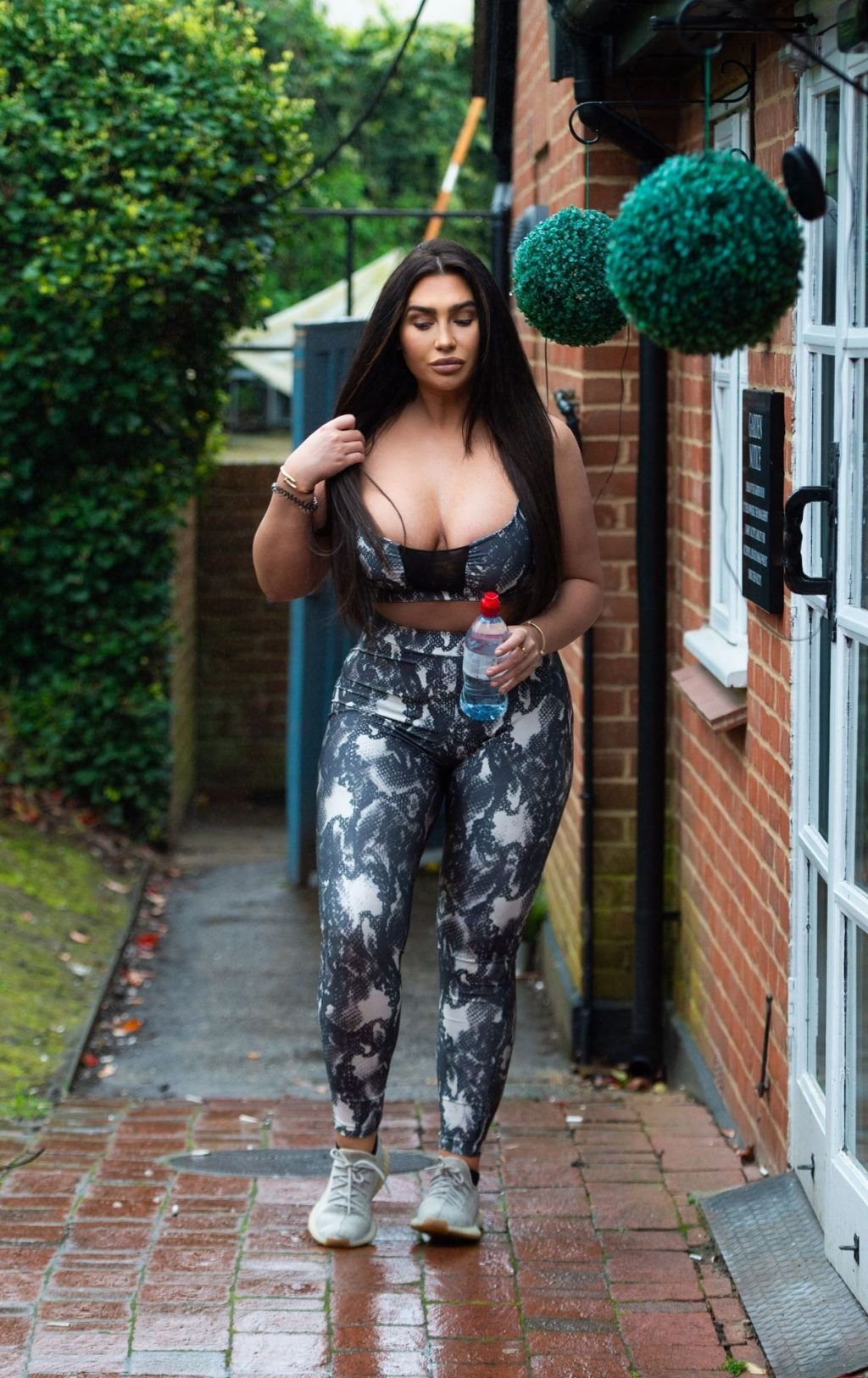 Lauren Goodger is Seen Leaving Her House to Head Out for an Exercise Session (22 Photos)