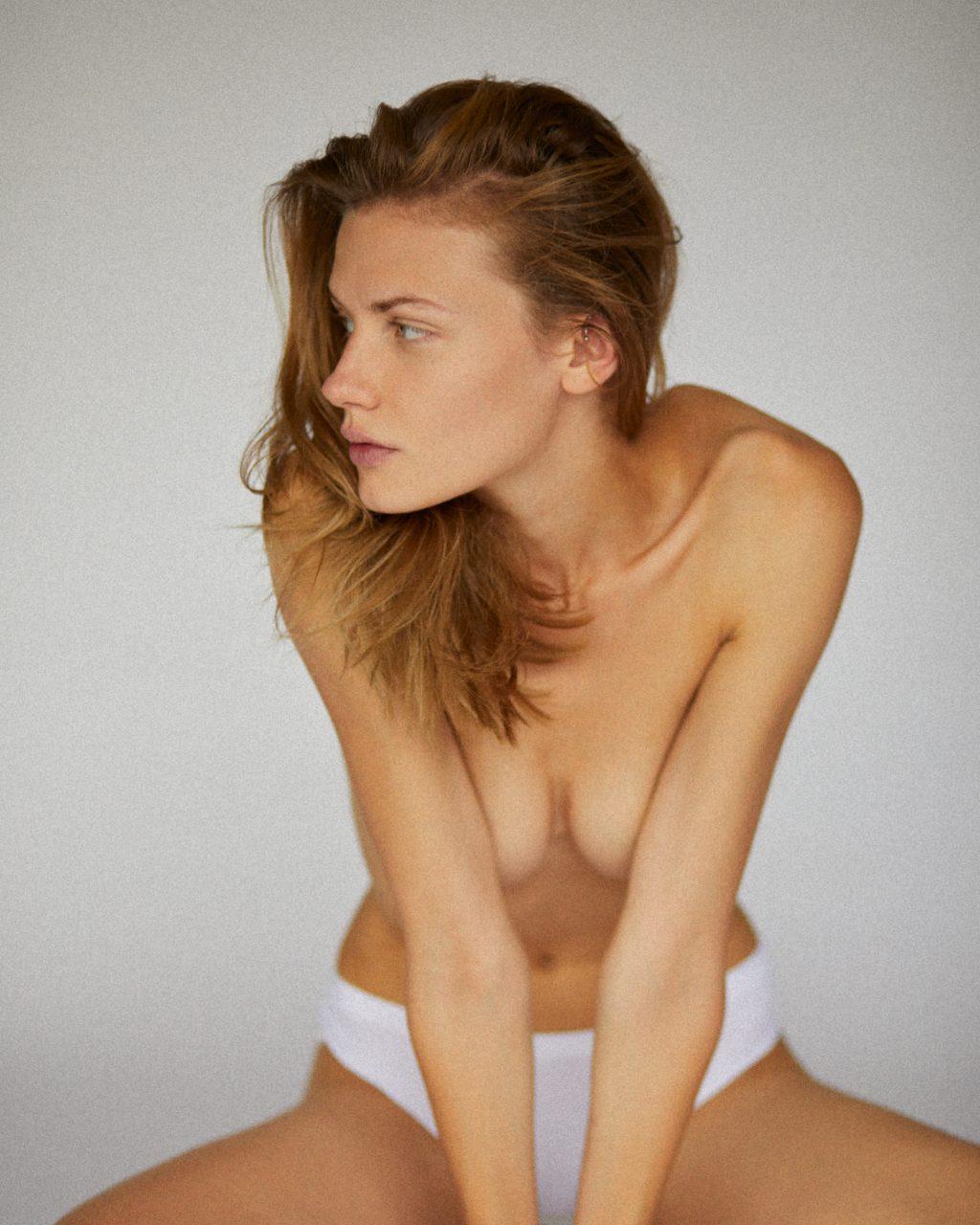 Polina Grosheva Nude (6 Photos)