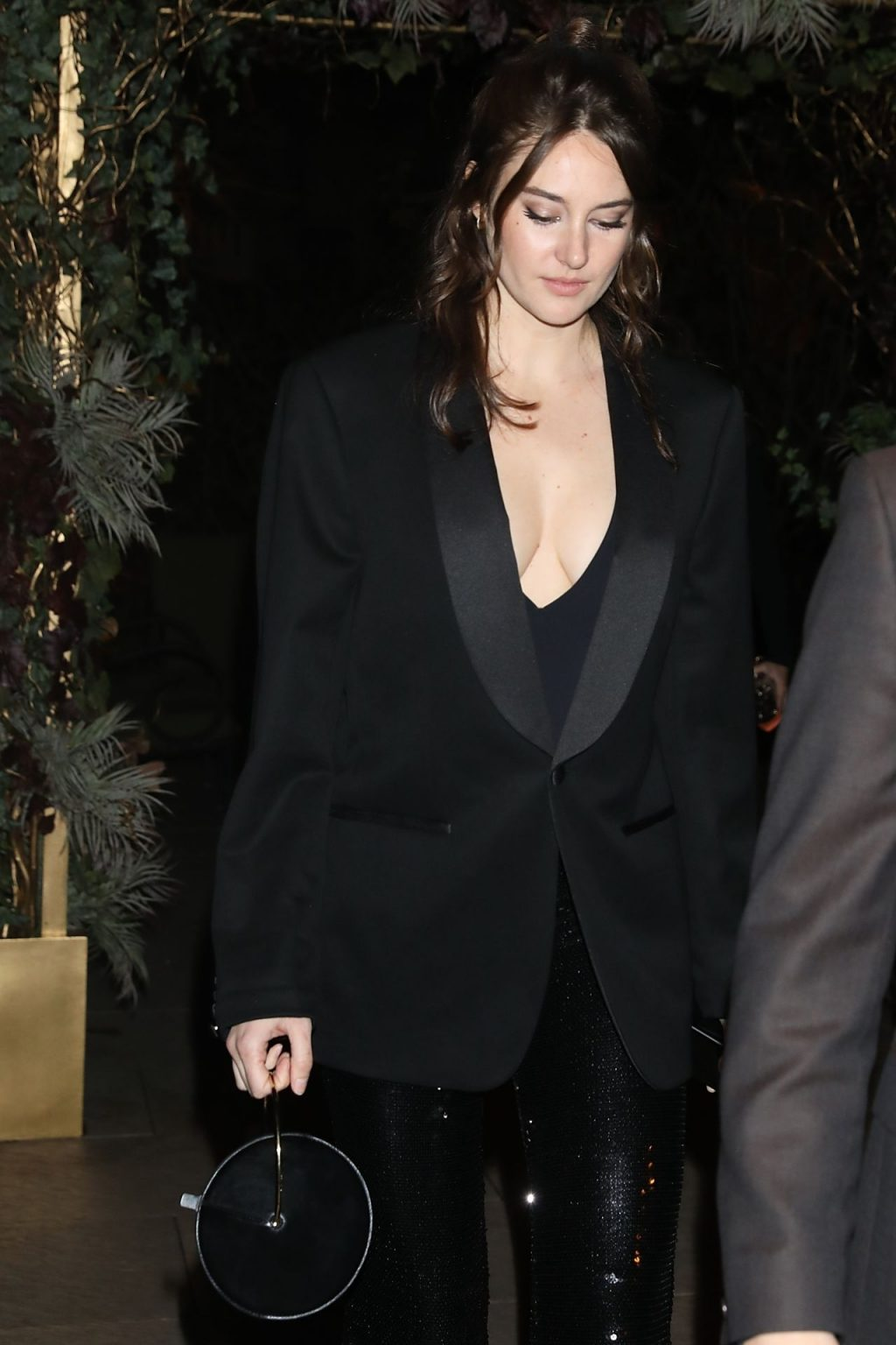 Shailene Woodley Seen Arriving at Monot F/W 2020 Show in Paris (8 Photos)