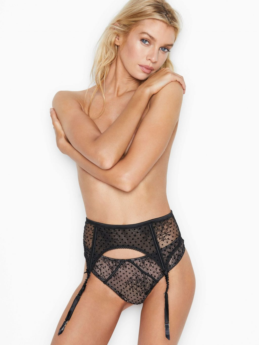 Stella Maxwell Shows Off Some Skin for Victoria's Secret (2 Photos)