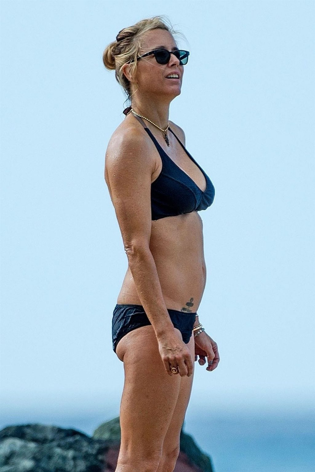 Tea Leoni Hits the Beach for Some Early Morning Sun in Barbados (15 Photos)