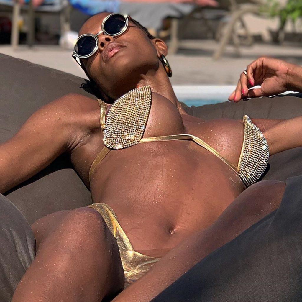 Cicelys Zelies Nude & Sexy (50 Photos)