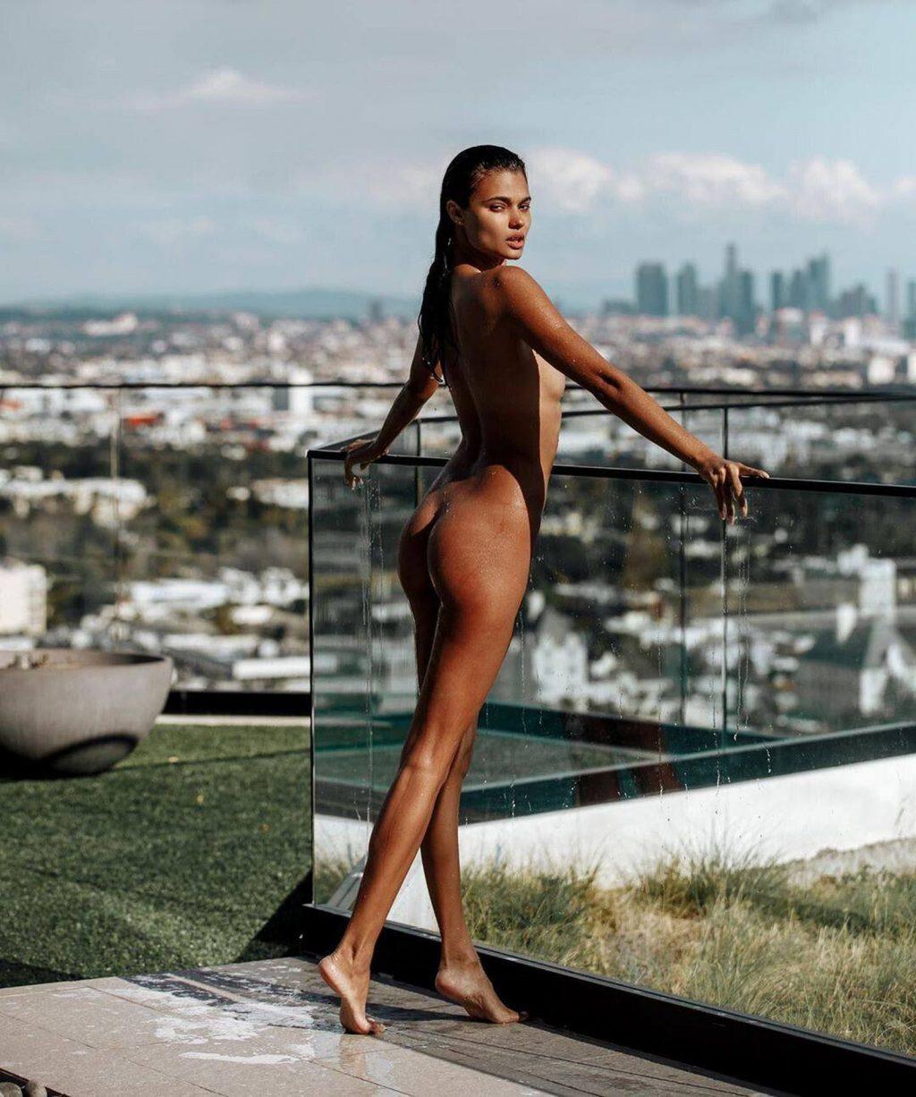 Daniela Braga Nude (6 Photos)