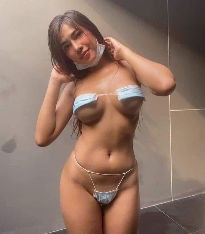 Sexy Girls in Quarantine (8 Photos)