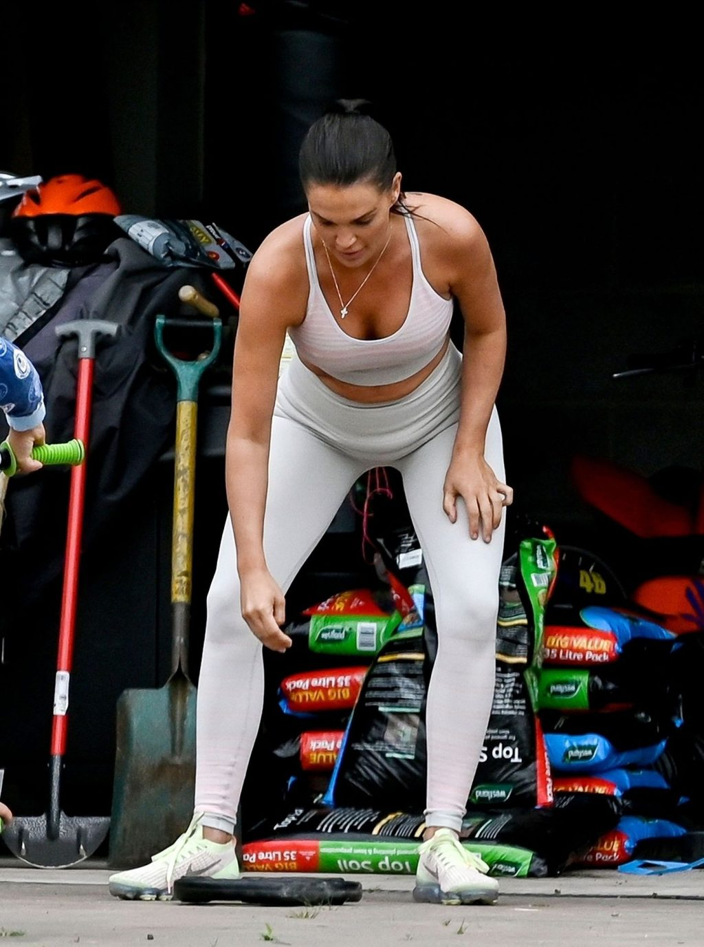 Sexy Danielle Lloyd Is Pictured While Training with Michael O'Neill (46 Photos)