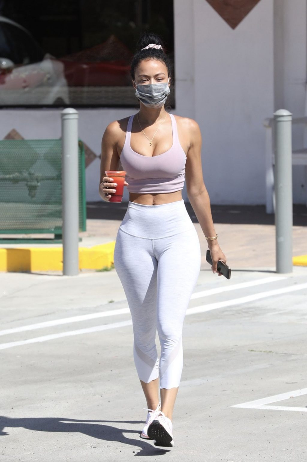 Draya Michele Flaunts Her Sexy Body in Woodland Hills (17 Photos)