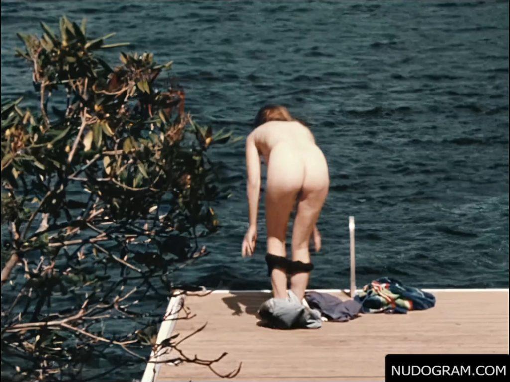 Elizabeth Olsen Nude – Martha Marcy May Marlene (13 Pics, GIF & Video)