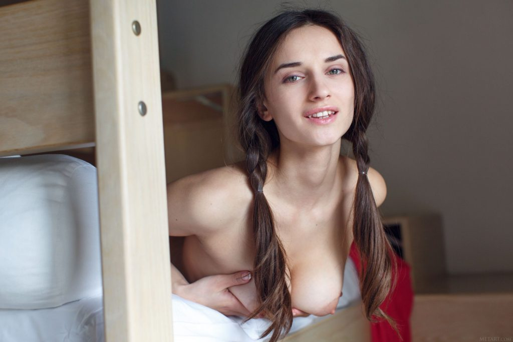 Gloria Sol Nude & Sexy – Lirann (121 Photos)