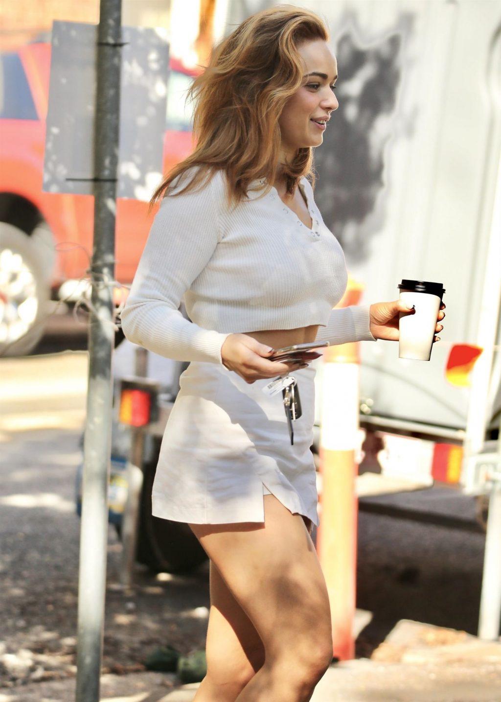 Abbie Chatfield Shows Off Her Sexy Legs in Brisbane (9 Photos)