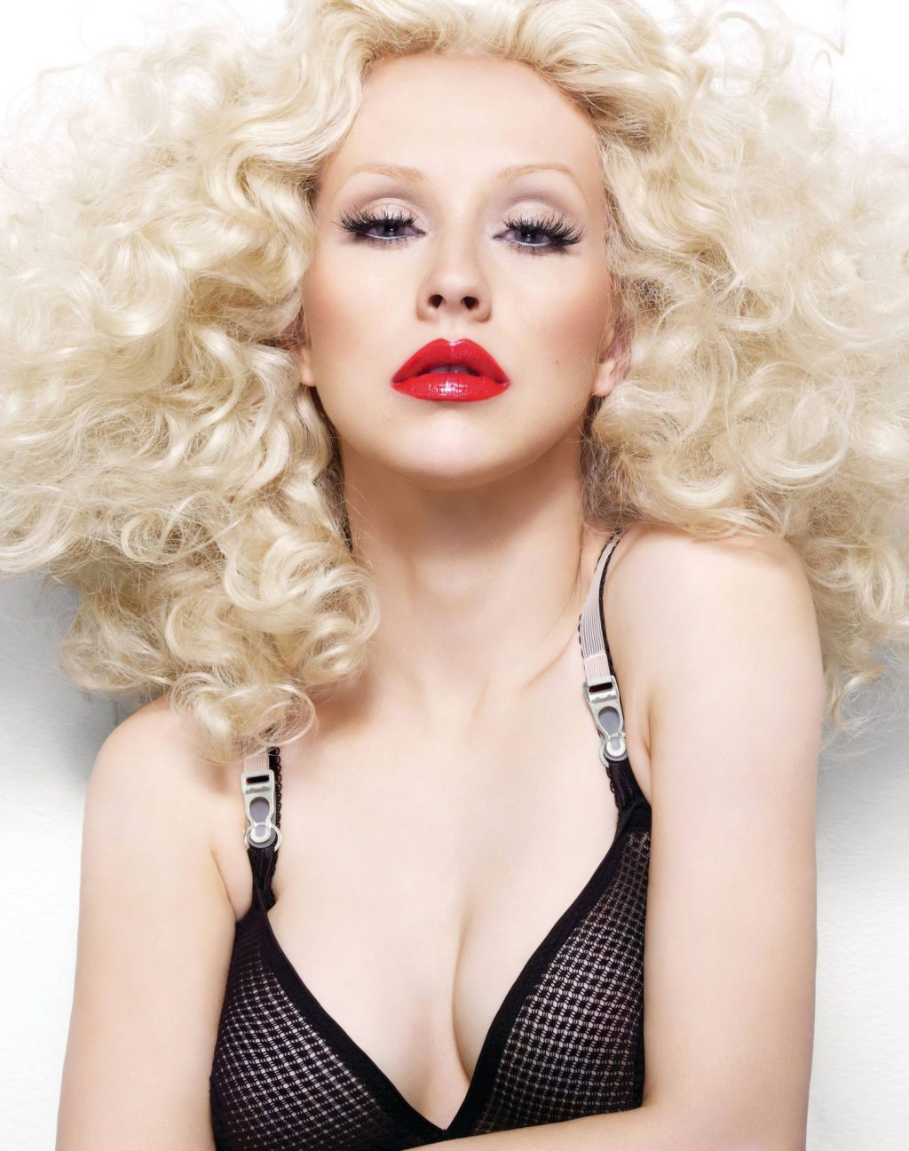 Christina Aguilera Nude & Sexy (32 Photos)