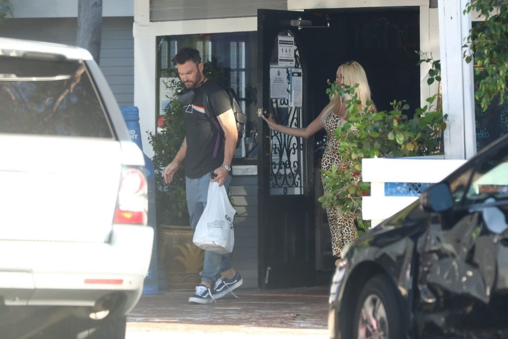 Brian Austin Green Steps Out with Courtney Stodden During a Lunch Date (38 Photos)