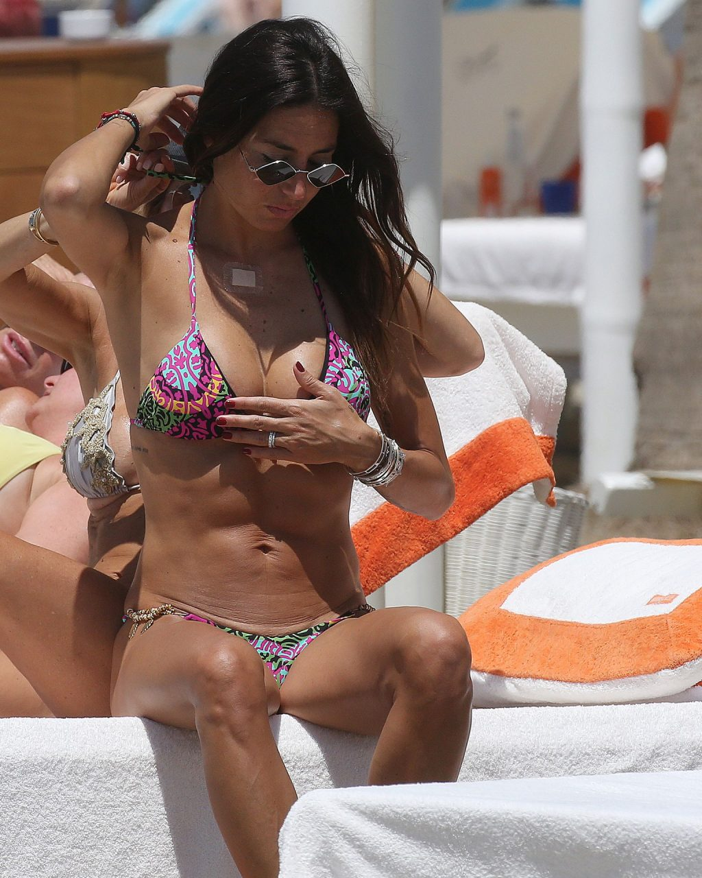 Elisabetta Gregoraci Shows Her Hot Body In Forte Dei Marmi (16 Photos)