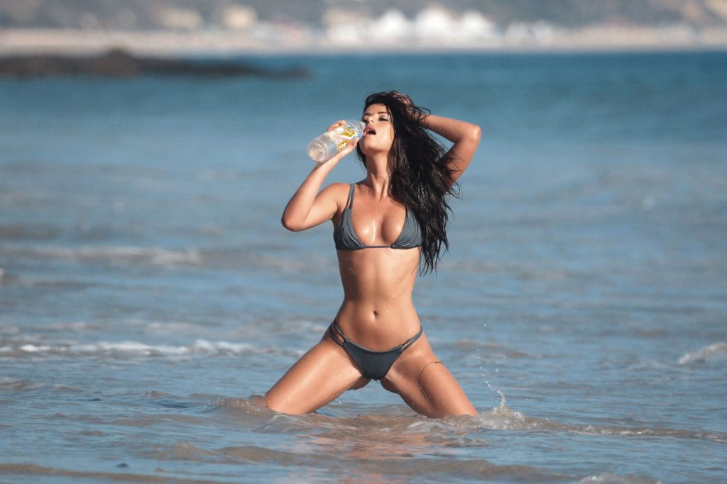 Jaylene Cook Shows Off Her Sexy Bikini Body on the Set of a Beach Photoshoot (41 Photos)