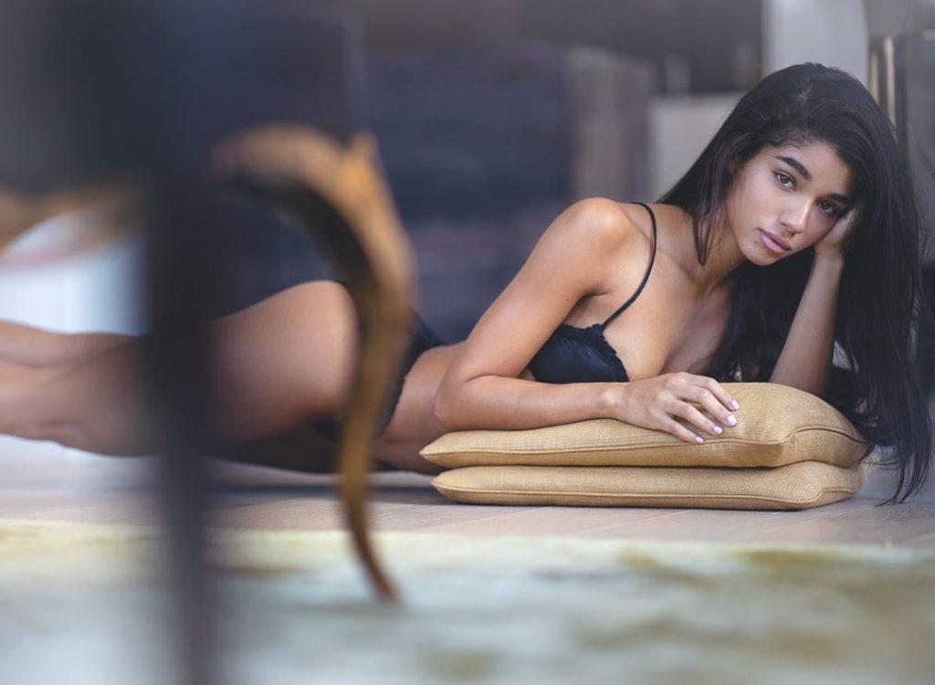 Yovanna Ventura Sexy & Topless (59 Photos)