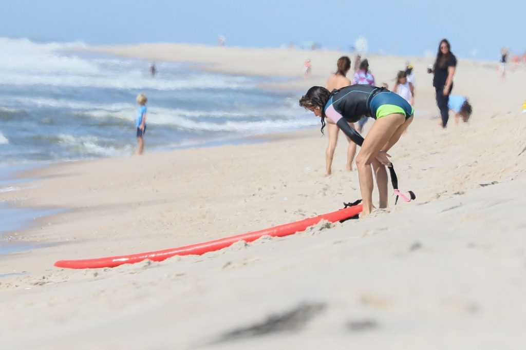 Bethenny Frankel Hits the Beach in The Hamptons (80 Photos)