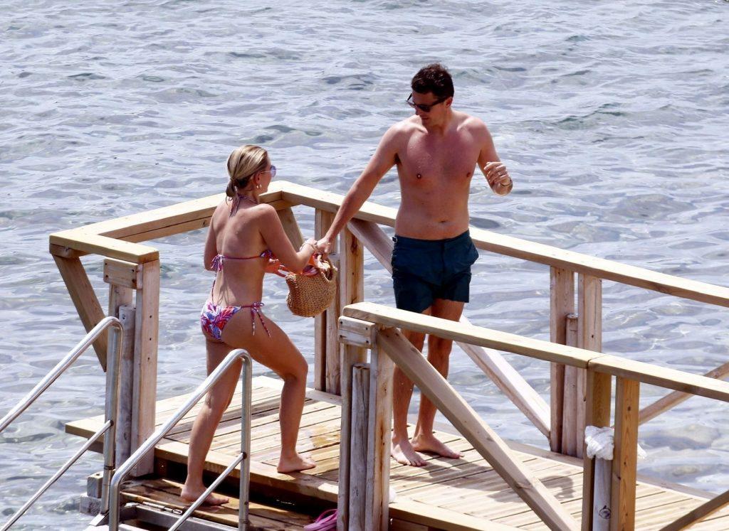 Billie Faiers Enjoys Her Summer Holiday in Ibiza (34 Photos)