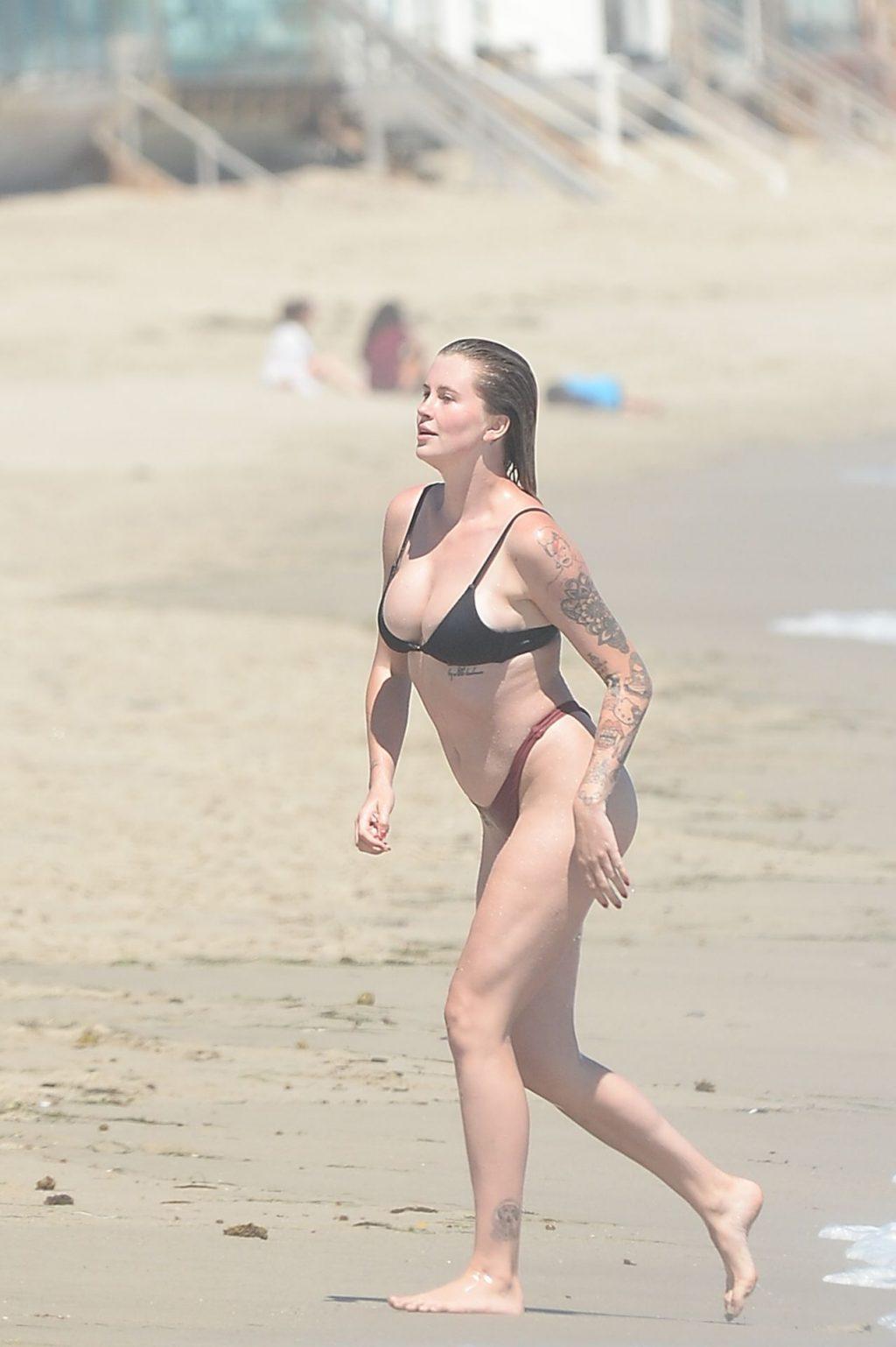 Busty Ireland Baldwin Heads to the Beach in Malibu with Friends (89 Photos)