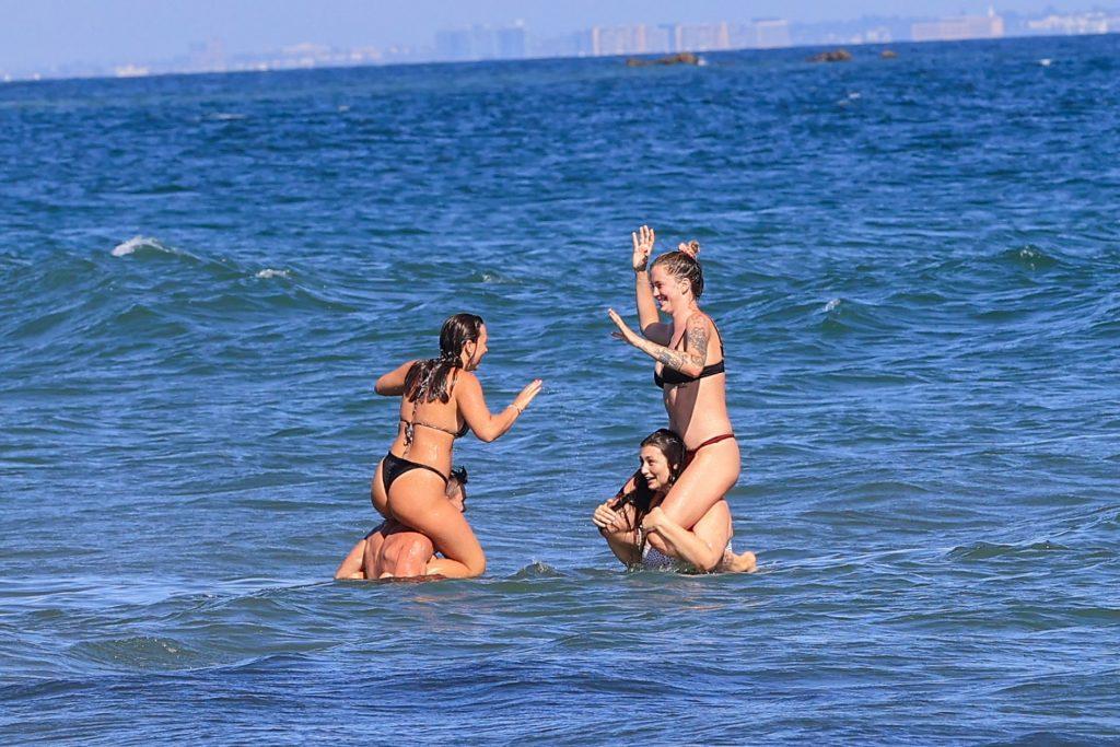 Ireland Baldwin Heads to the Beach in Malibu with Friends (149 Photos)